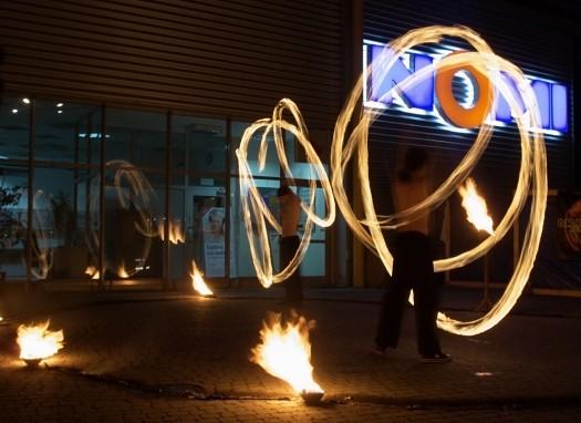 Draconica - tancerze ognia z Dębicy (zdjęcia)
