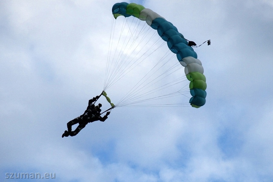 Skoki spadochronowe w Elblągu - fotorelacja
