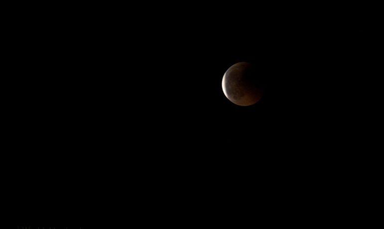 Zaćmienie księżyca (foto) i złośliwość rzeczy martwych