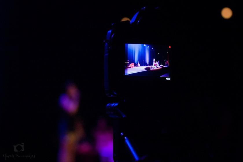 Czy brać na koncert aparat?