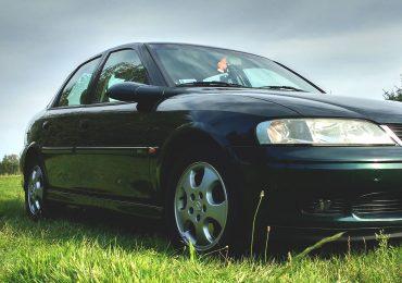 Drgania i wibracje na kierownicy przy większej prędkości - co może być przyczyną?